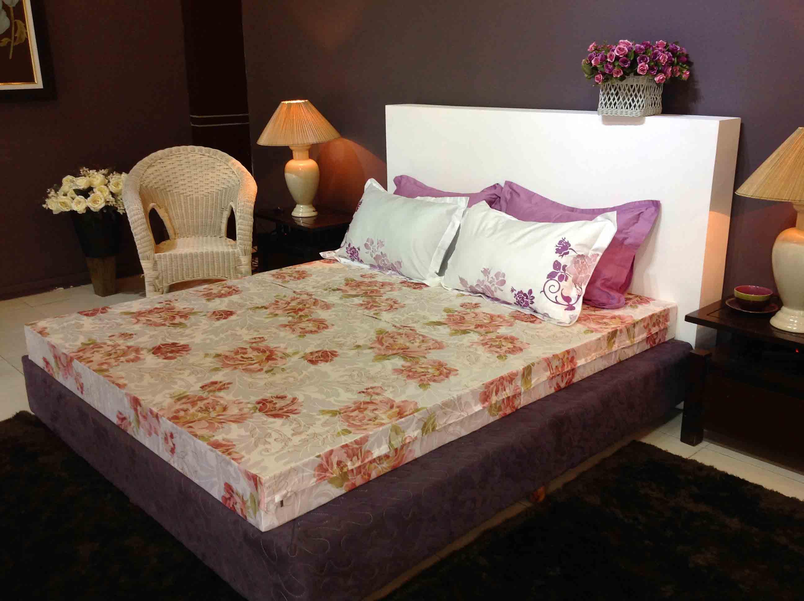 Một tấm đệm lò xo cao cấp sẽ làm đẹp thêm cho phòng ngủ