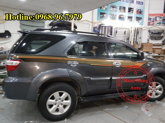 Dán Decal Xe Toyota Fortuner 2016, 2017