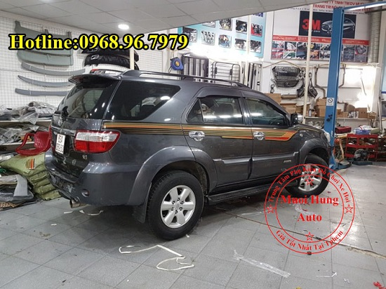 Dán Decal Xe Toyota Fortuner 2016, 2017 01