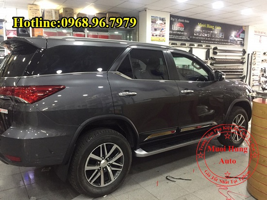 Ốp Hông Toyota Fortuner 2016, 2017 Cao Cấp 03