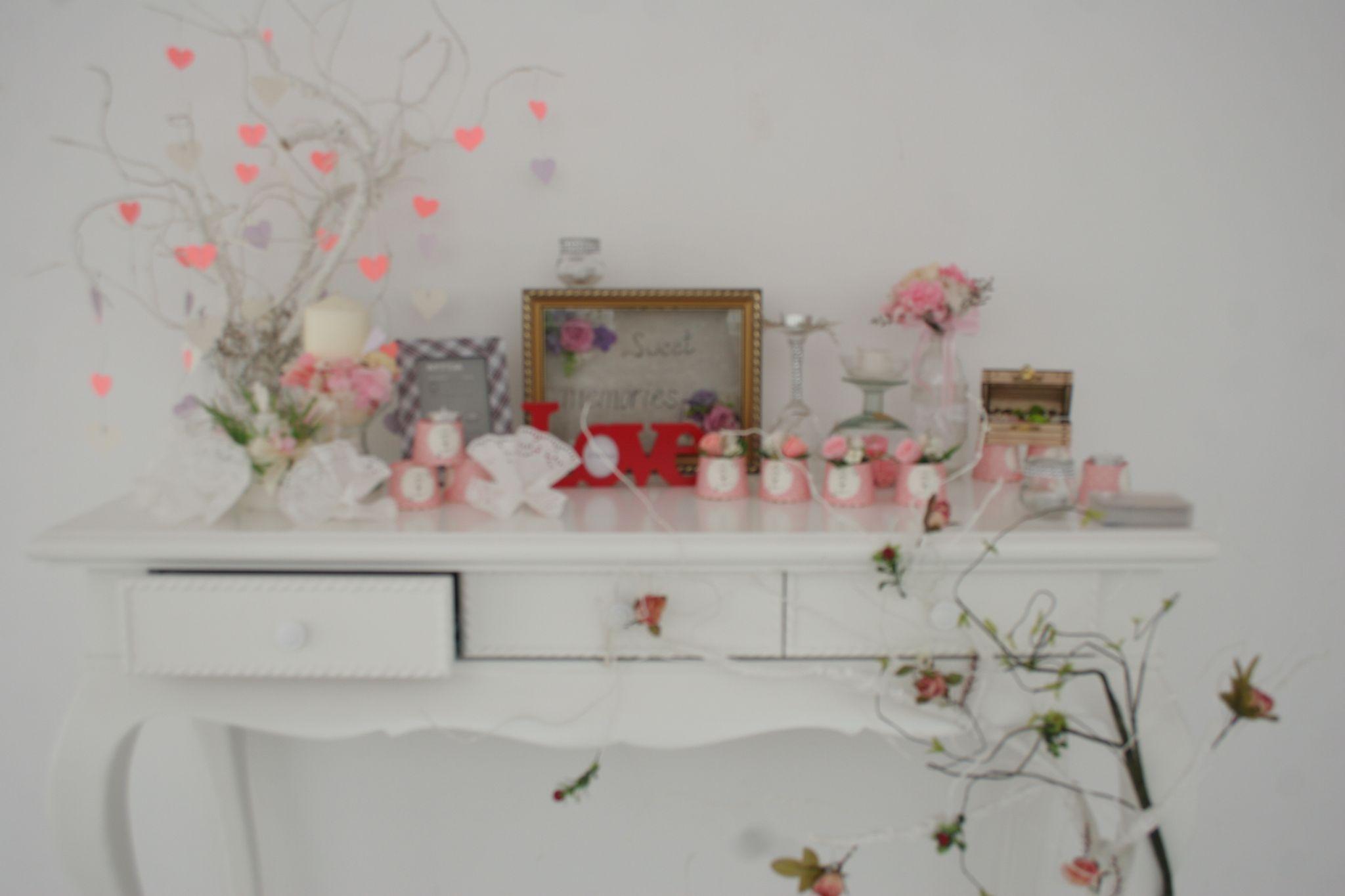 Bàn Gallery Love Corner tone Hồng Nhạt