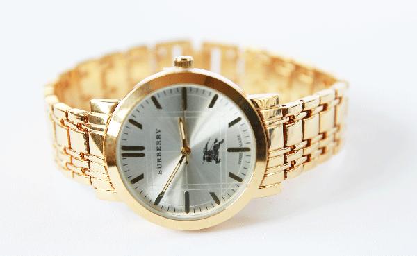 Đồng hồ đeo tay Burberry dành cho nữ