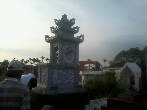 mộ đá ba mái 05