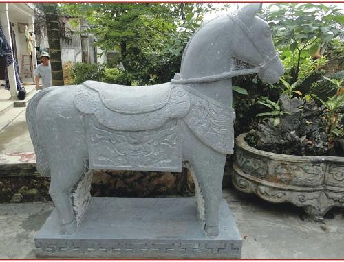 ngựa đá