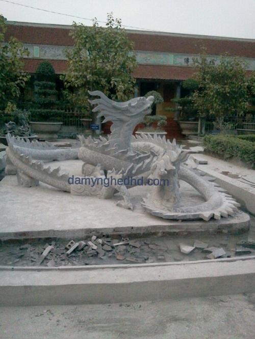 tượng rồng bằng đá