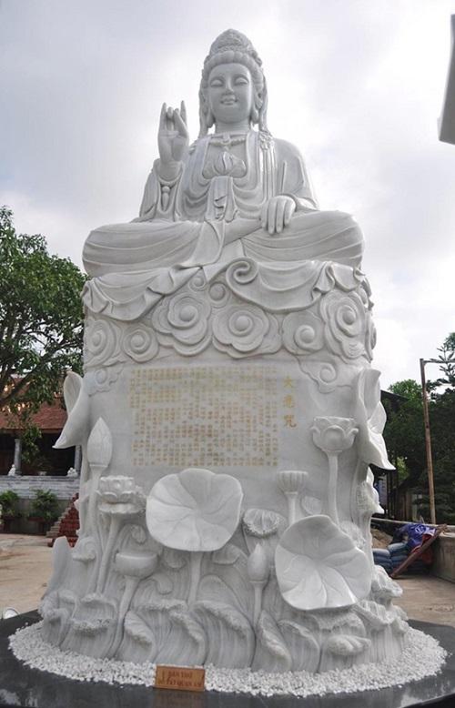 tượng quan âm đá