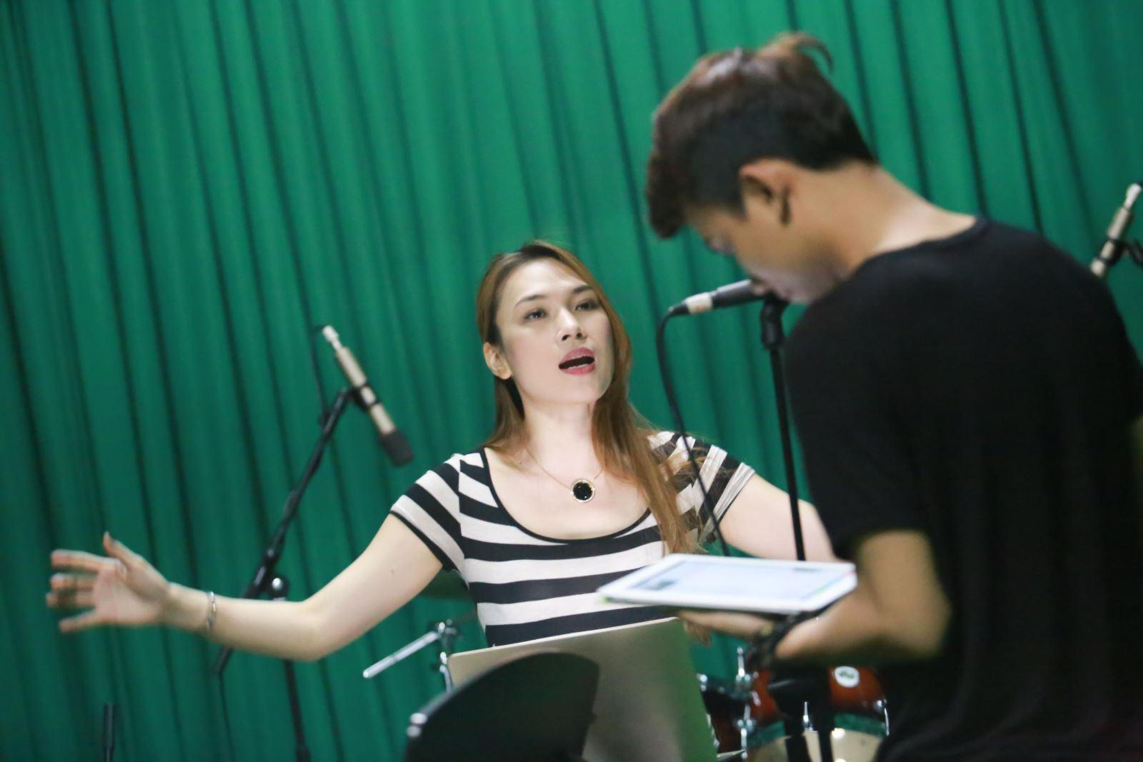 Hướng dẫn luyện giọng hát hay như ca sĩ