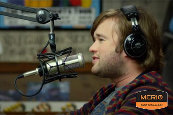 mic Samson MTR23 trong phòng thu âm