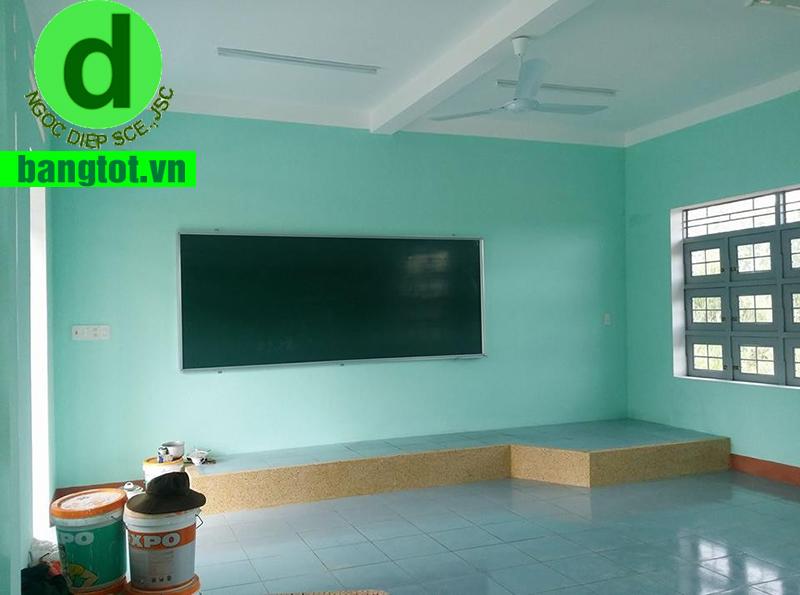 mua bảng từ xanh cho hoạt động dạy học
