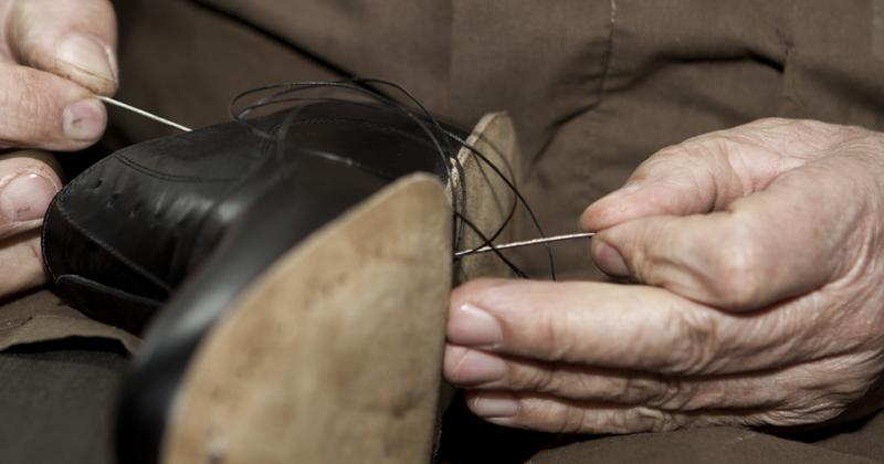 bảo dưỡng giày da công sở