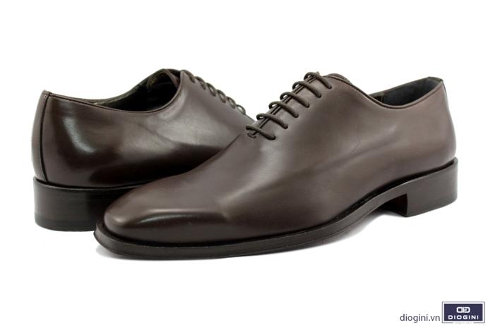 Hướng dẫn chọn giày trong dịp lễ