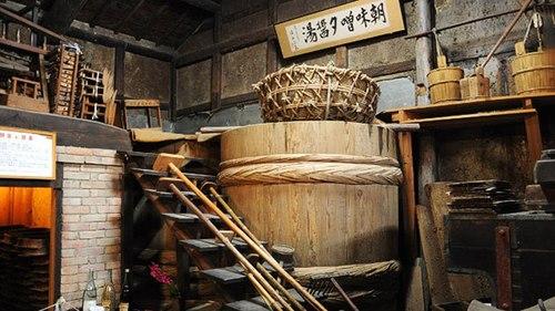 thùng sản xuất nước tương nhật bản