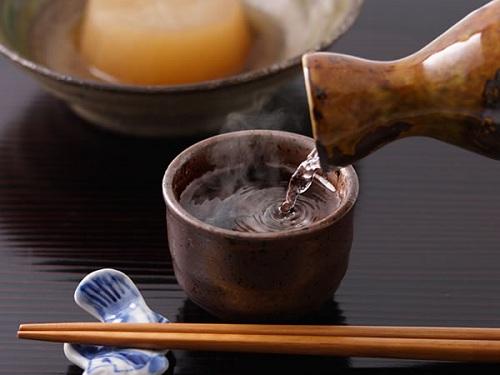 Rượu Sake uống nóng