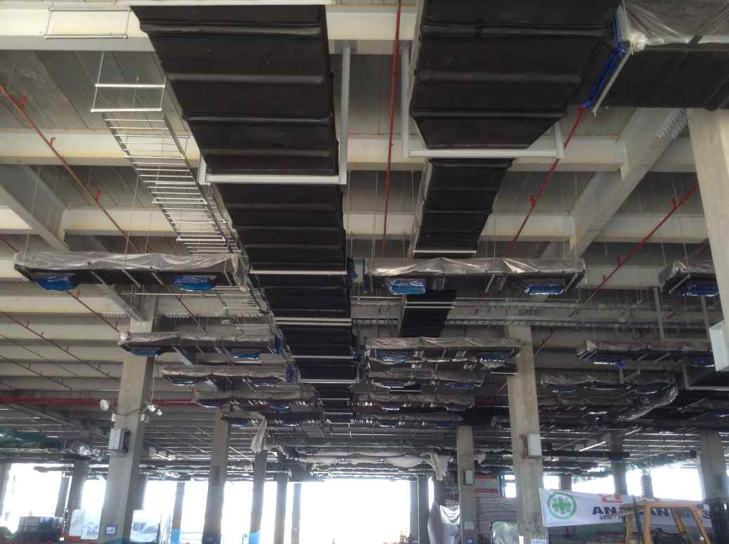 Lắp đặt hệ thống ống gió trong nhà xưởng