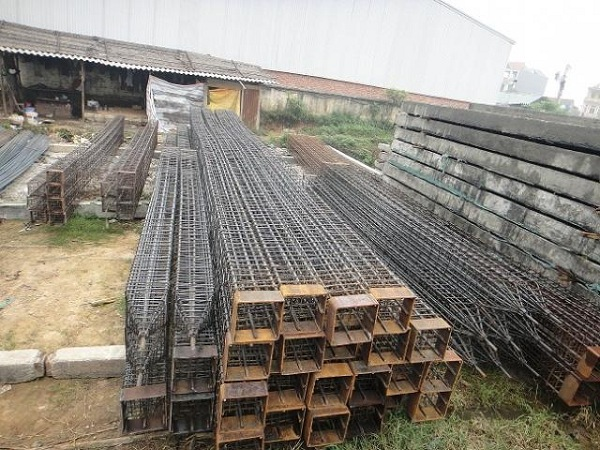 Khuân cọc bê tông được làm từ những thanh ren liên kết với nhau