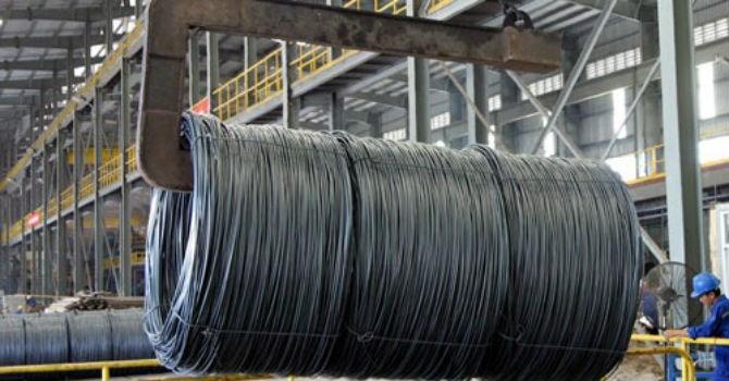 thép là nguyên liệu quan trọng trong sản xuất thanh ty ren