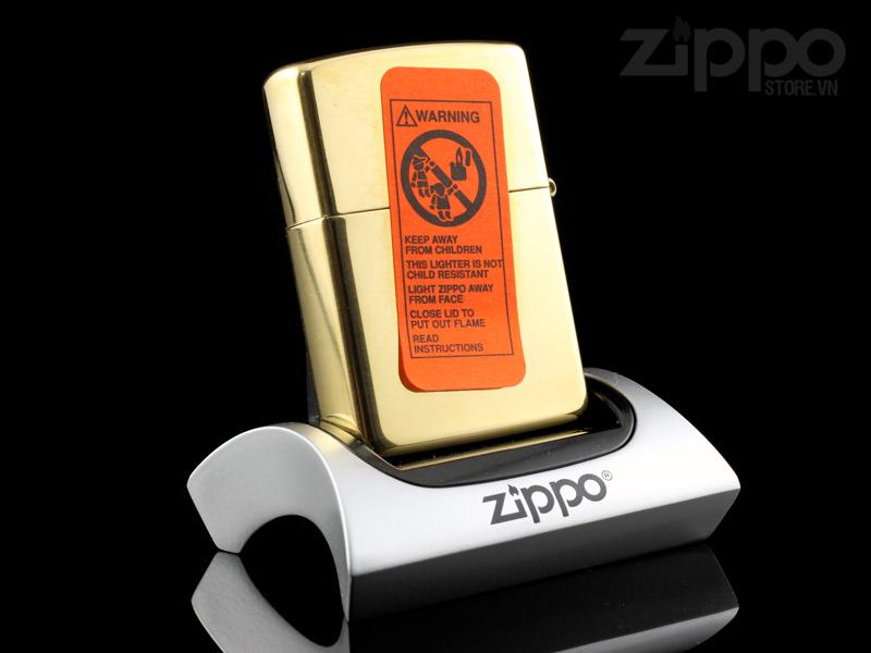 zippo mau vang