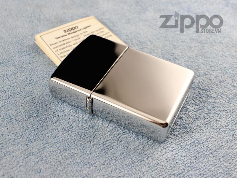 Zippo la mã màu trắng bạc inox đẹp mới chưa sử dụng