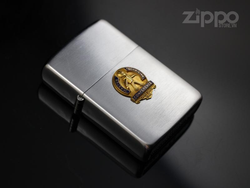 zippo co 3 hang chu