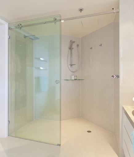 Bốn mẫu vách kính phòng tắm được nhiều người ưa dùng nhất