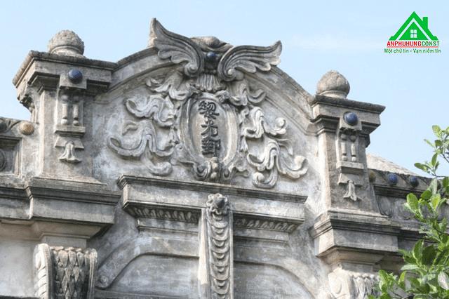 Trải qua nhiều thăng trầm của lịch sử nhưng những nét hoa văn mang phong cách Pháp vẫn còn nguyên giá trị