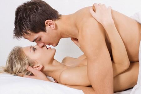 quan hệ tình dục an toàn với bao cao su Jex usui 0.03