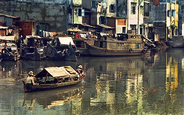 Ven Sông – Photo: Bùi Minh Sơn – HC Bạc FMPA (USA – 1999)