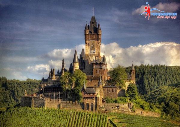 Chiêm ngưỡng 10 tòa lâu đài đẹp nhất thế giới