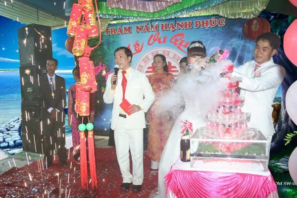 MC đám cưới - nghề tay trái hái ra tiền