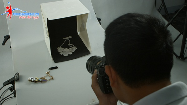 Khóa học chụp ảnh sản phẩm thương mại có ích cho người kinh doanh online