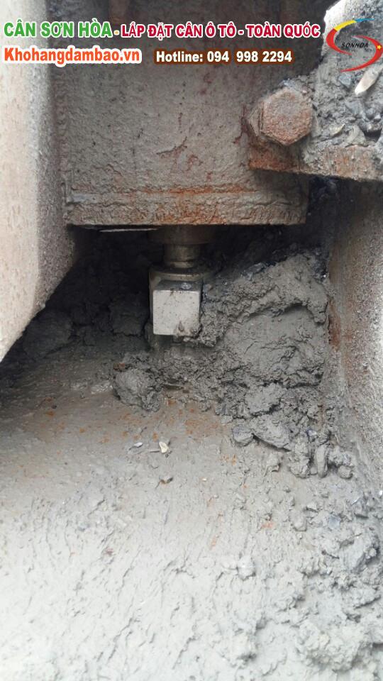 laodcell cân ô tô bị ủn đất cát vào