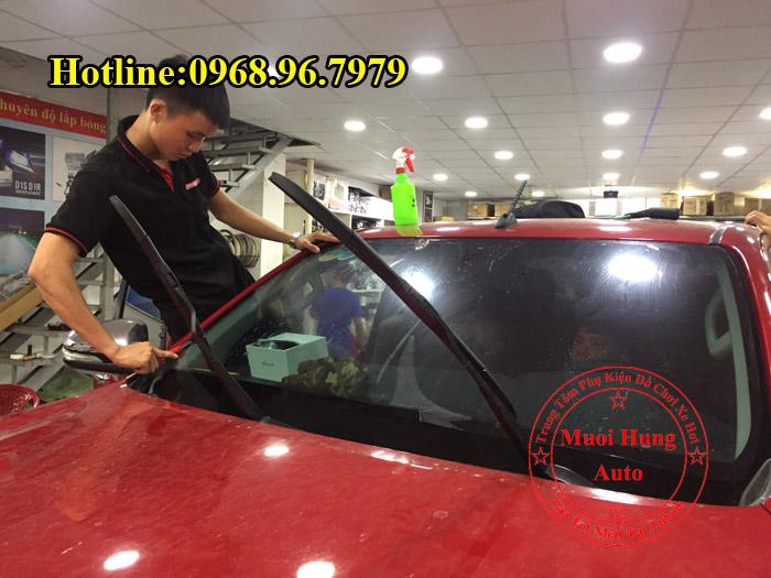 Dán Phim Cách Nhiệt Toyota Hilux Chuyên Nghiệp 03