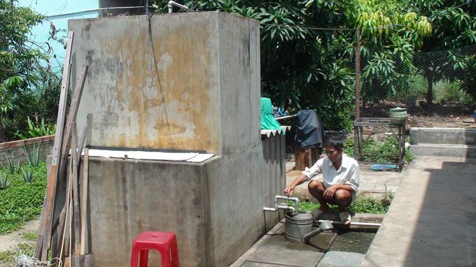 Bể lọc nước giếng khoan chiếm diện tích, không đảm bảo nước sạch