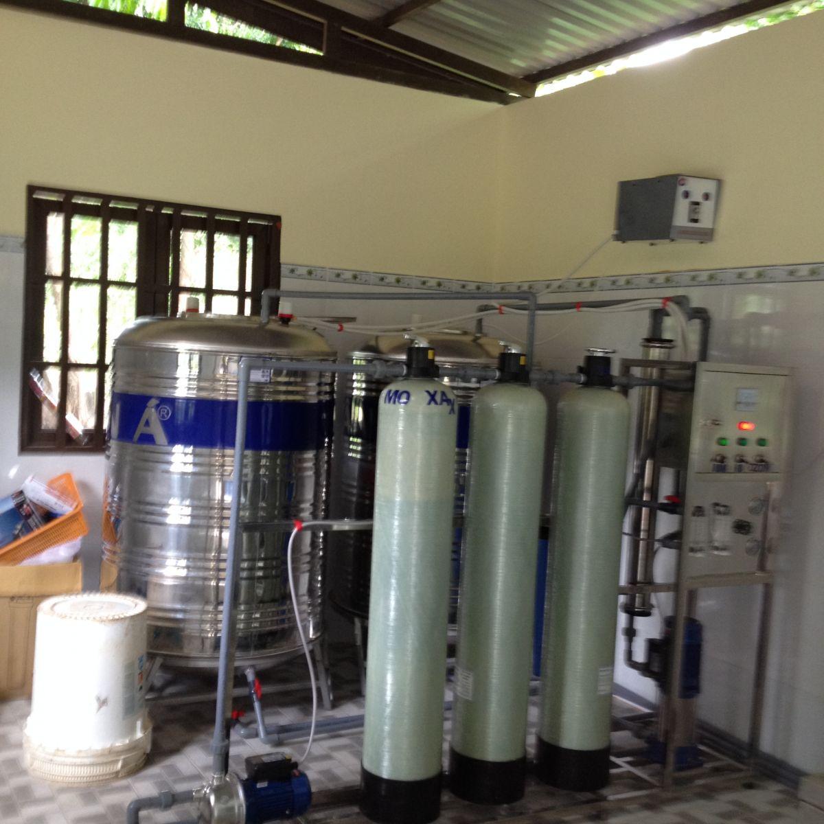 Lắp đặt máy lọc nước dùng cho trường học (mẫu)