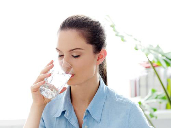 Mua máy lọc nước văn phòng đem lại nước sạch cho cán bộ nhân viên