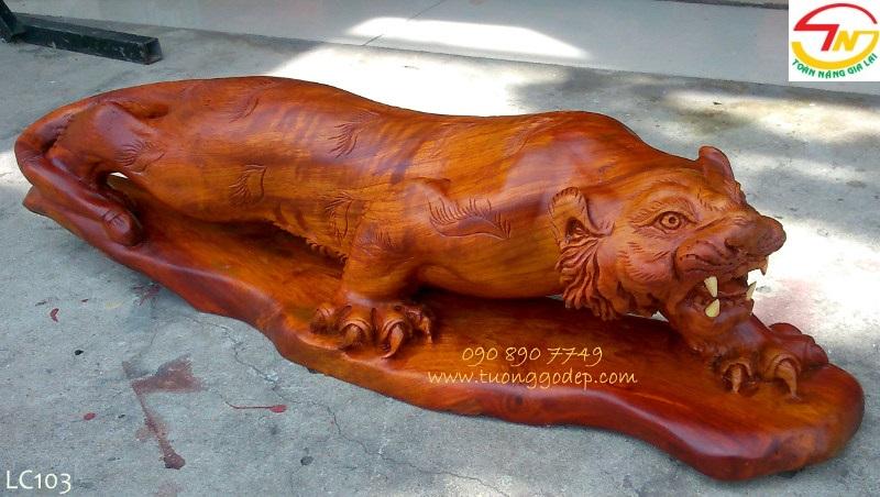 Tượng cọp bằng gỗ