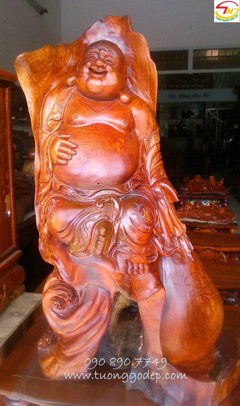 Tượng Phật di lặcbằng gỗ