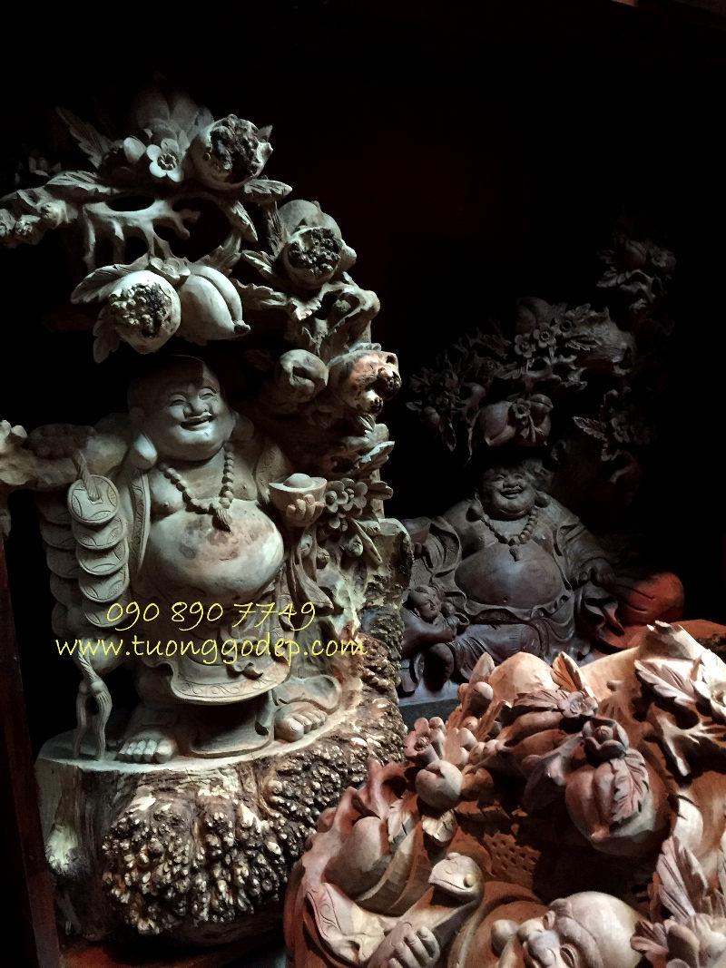 Phật Di Lặc gỗ nu đinh hương
