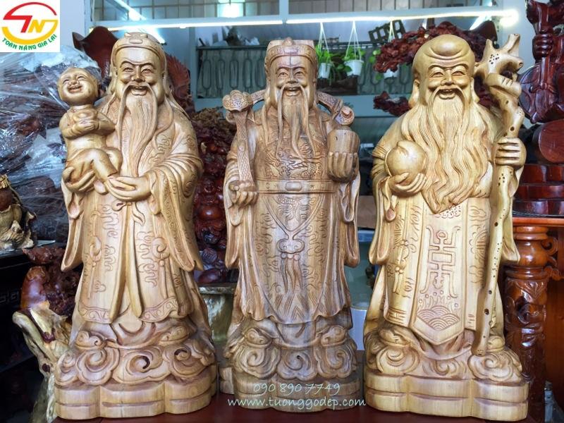 Tượng Tam Đa bằng gỗ bách xanh
