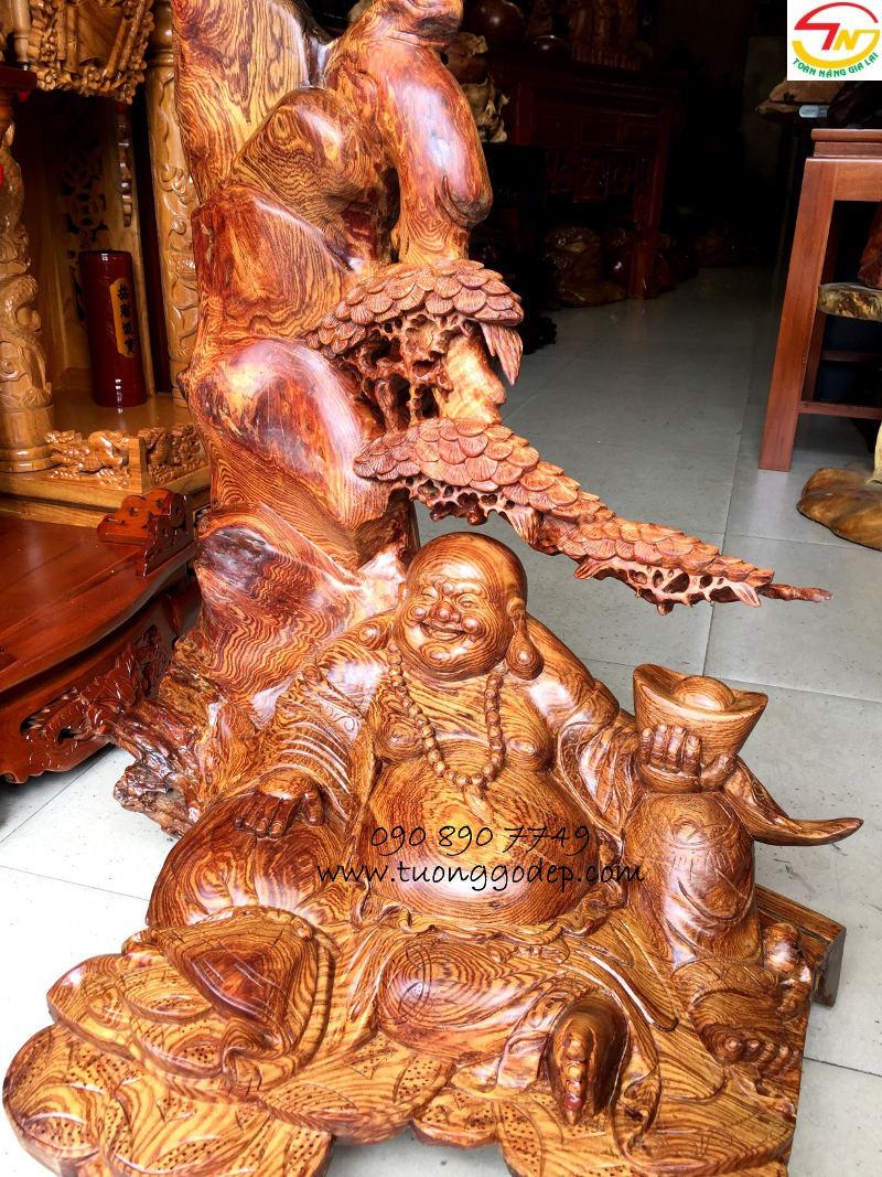 Phật Di Lặc cẩm