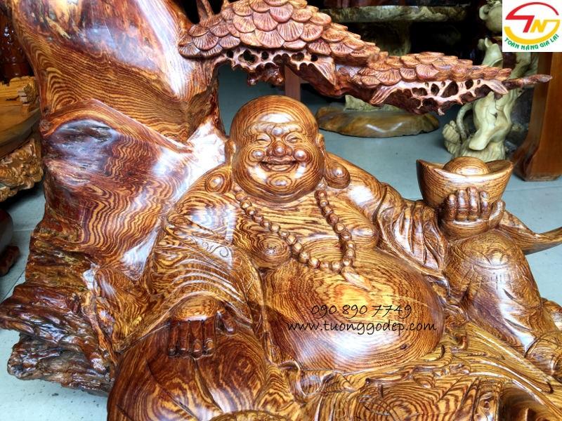 Tượng Phật Di Lặc bằng gỗ cẩm