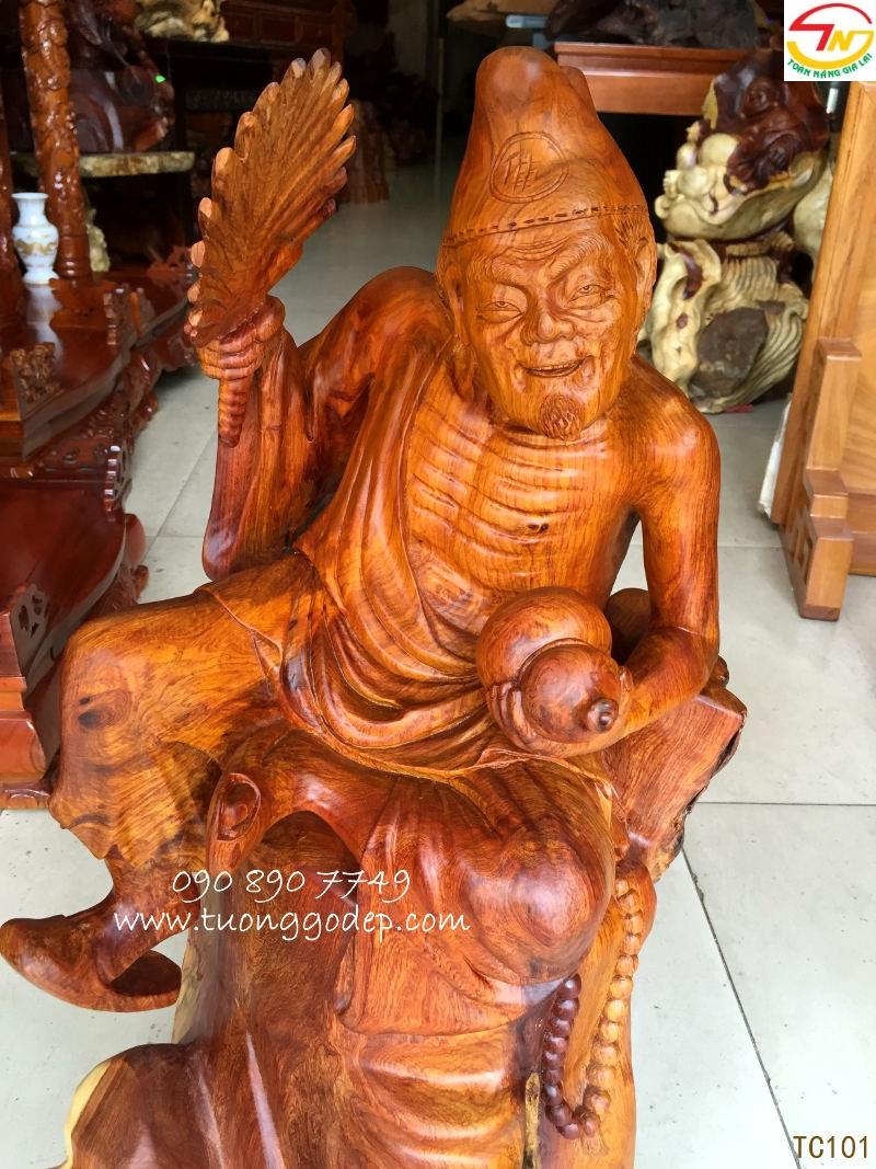 Tượng Tế Công bằng gỗ