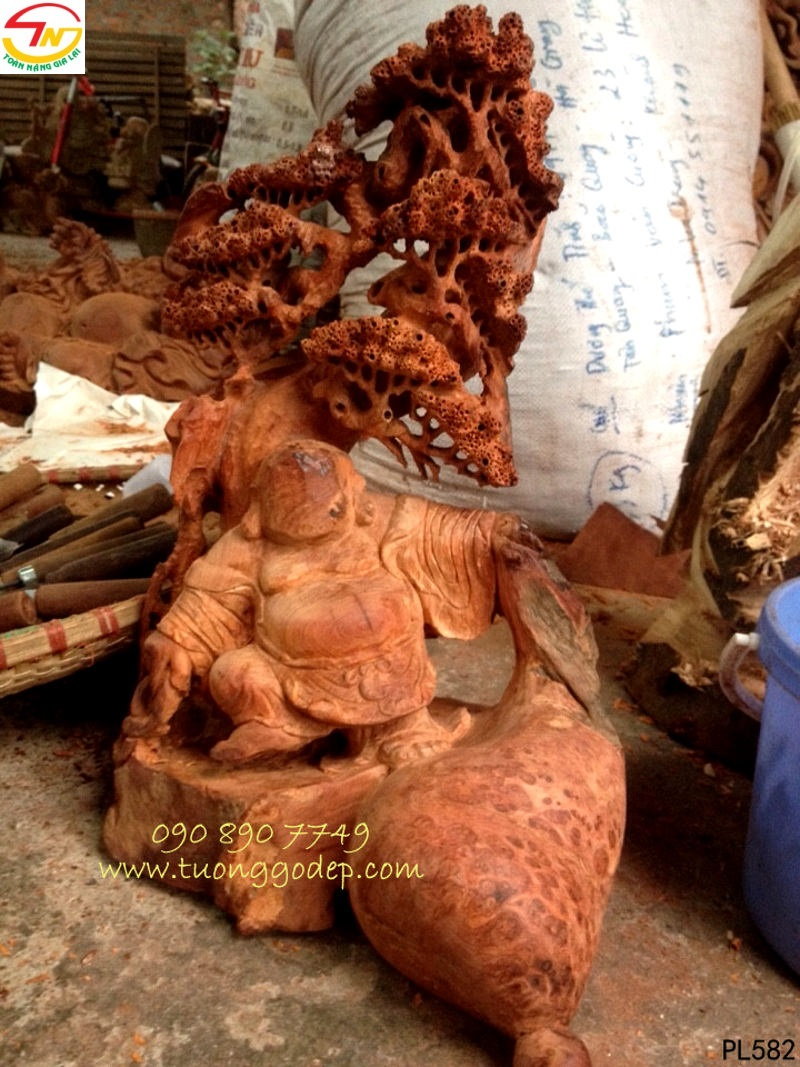 Phật Di Lặc gỗ nu hương