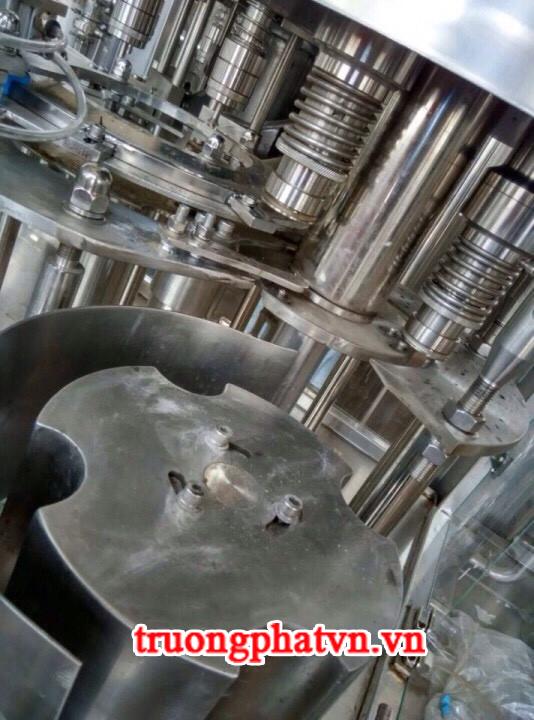 Cấu tạo chi tiết bên trong dây chuyền sản xuất nước tinh khiết 3 trong 1