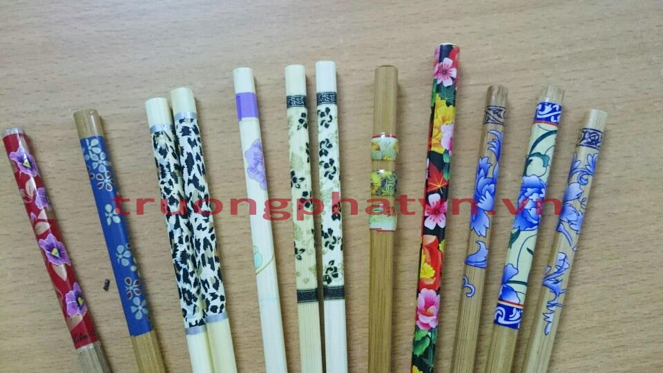 Hình ảnh sản phẩm đũa được co màng hoa