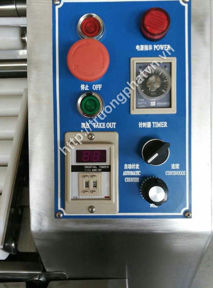 bảng điều khiển máy cán bột tự động