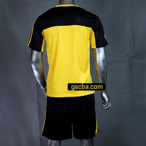 Quần áo bóng đá không logo 3468 vàng mặt sau