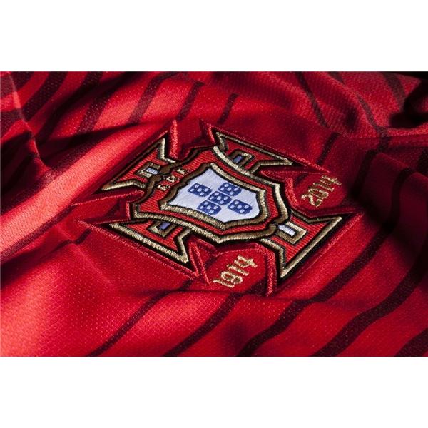 Quần áo bóng đá Bồ Đào Nha đỏ sân nhà logo 2014