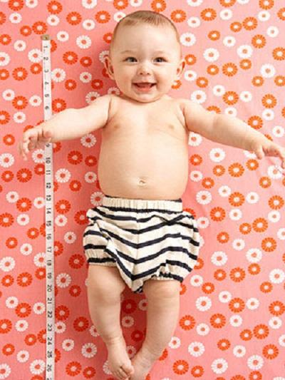 Các câu hỏi liên quan đến sữa và chiều cao của bé