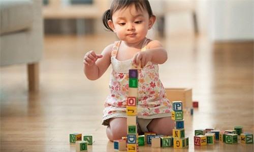 Giúp phát triển trí thông minh cho trẻ 0-12 tháng tuổi 5